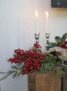 Pine and berry garland: http://www.stylemepretty.com/living/2013/12/24/holiday-entertaining-with-lisa-vorce/ | Photography: Elizabeth Messina - http://www.elizabethmessina.com/