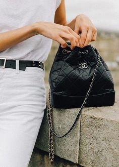 Bag Chanel Bucket bag White outfit Spring Designer bag Leather Inspiration More on Fashionchick Burberry Handbags, Chanel Handbags, Purses And Handbags, Chanel Bags, Chanel Chanel, Burberry Bags, Luxury Bags, Luxury Handbags, Mochila Chanel