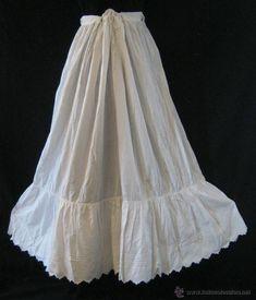 ANTIGUA ENAGUA CON VOLANTE DE TABLILLAS Y BORDADOS INDUMENTARIA PPIO. S. XX (Antigüedades - Moda - Mujer - Enaguas Antiguas) Frilly Dresses, Look, Tulle, Victorian, Culture, Sexy, Skirts, Photography, Vintage