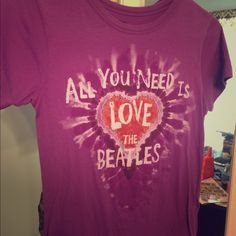 The Beatles T-shirt Lightly worn size medium. Fitted yet stretchy material. Tops Tees - Short Sleeve