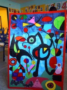 Realizado por alumnos de 4 años, utilizando diferentes tipos de papel, seda, charol, cartulina, papel ondulado, cafe, escobillones y tempera solida.