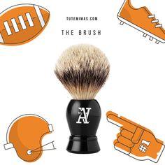 The #Brush es una exclusiva #brocha de #afeitar, la herramienta definitiva de #MrA Shave. Crea una rica espuma tibia, ya que retiene el agua templada para ayudar a reblandecer el pelo de la #barba y acondicionar la piel. Al aplicar The Cream, se levanta el pelo de la barba para un afeitado apurado y fresco. Es perfecto para exfoliar la piel y liberar pelos atrapados. PELO SELECCIONADO DE TEJÓN Y PUNTA PLATA. DENSIDAD DE PELO SUPERIOR Y SUAVIDAD EXTREMA. EXCELENTE LEVANTAMIENTO DEL PELO