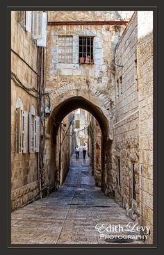 A quiet walk through the old Jewish quarter in Jerusalem. www.edithlevyphotography.com