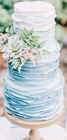 French Wedding, Wedding Book, Wedding Bride, Beautiful Wedding Gowns, Blue Party, Party Themes, Party Ideas, Make A Wish, Shades Of Blue