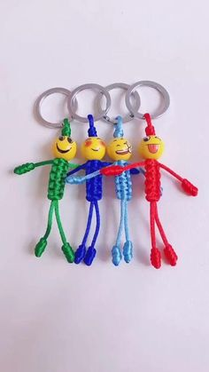 Rope Crafts, Diy Crafts Hacks, Diy Crafts Jewelry, Bracelet Crafts, Diy Home Crafts, Yarn Crafts, Crafts For Kids, Diy Bracelets Patterns, Diy Bracelets Easy