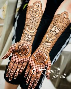 Loving this bridal henna! ( Lovely bridal henna design by Wow I love how precise and clean this bridal design is! My favorite part is the fingertips! Latest Bridal Mehndi Designs, Dulhan Mehndi Designs, Wedding Mehndi Designs, Mehndi Design Pictures, Mehndi Art Designs, Mehndi Designs For Hands, Henna Tattoo Designs, Tattoo Ideas, Wedding Henna