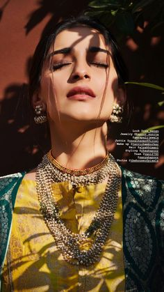 Indian Bollywood Actress, Sonam Kapoor, Diva Fashion, Bollywood Celebrities, Actresses, Chain, Beauty, Female Actresses, Cosmetology
