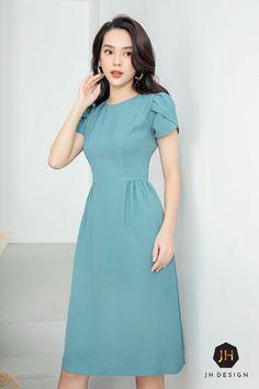 Modest Dresses, Pretty Dresses, Beautiful Dresses, Casual Dresses, Frock Fashion, Fashion Dresses, Sleeves Designs For Dresses, Elegant Dresses For Women, Dress Clothes For Women