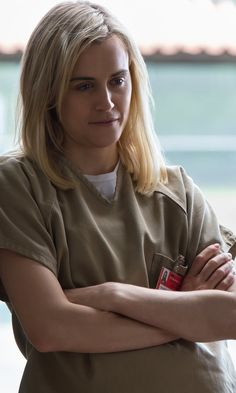 Piper Chapman has come a long way on Orange Is the New Black. Prison Jumpsuit, Piper Chapman, Alex And Piper, Cute Lesbian Couples, Taylor Schilling, Are You Not Entertained, Netflix Movies, Black Series, Orange Is The New Black
