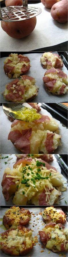 Crushed New Potatoes | Foodiboum