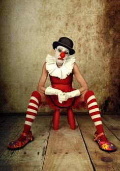 by monica Bekkers Photographie I like - Rosenmontag Gruseliger Clown, Circus Clown, Creepy Clown, Dark Circus, Circus Art, Circus Theme, Pierrot Kostüm, Pierrot Clown, Vintage Circus Costume