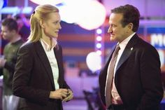 Robin Williams, Barry Levinson and Laura Linney in Man of the Year (2006)