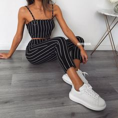 Chic and casual outfits 2019 charming, spring summer outfits ideas nice gorgeous teen fashion outfits Teen Fashion, Fashion Outfits, Womens Fashion, Fashion Trends, Fashion Spring, Fashion Styles, Style Fashion, Feminine Fashion, Fashion Mode