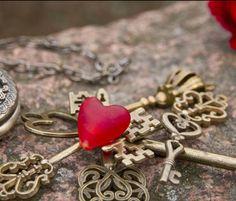 WEDDING FAVORS - WEDDING NOVELTIES! Devi's Keys! 1.714.856.8934 ... http://deviskeys.com/ ... https://www.facebook.com/Devis-Keys-1385649868431648/?fref=ts ... https://www.pinterest.com/deviskeys/