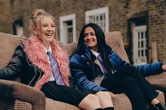 The two best friends who understand every difficult problem, issue mentally or physically. Tracy Beaker Returns Cast, Ackley Bridge, Movies And Tv Shows, Shows On Netflix, Blonde Movie, Lights Camera Action, Two Best Friends, Girl Crushes, Favorite Tv Shows