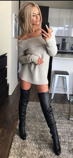 Women who understand the power they innately possess. I am particularly attracted to dominant Asian women. Thigh High Boots, High Heel Boots, Heeled Boots, Sweater Dress Outfit, Long Sweater Dress, Dress Long, Oversize Look, Beauté Blonde, High Leather Boots