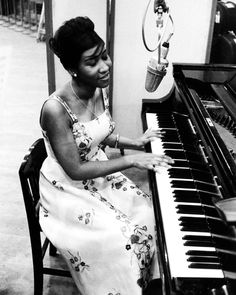 Aretha Franklin recording for Columbia Records, 1961