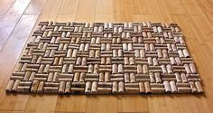 Upcycled wine cork bath mat with weave hot glue gun together? keep drinking your wine mum ; Wine Craft, Wine Cork Crafts, Wine Bottle Crafts, Crafts With Corks, Diy Bath Mats, Diy Cork, Wine Cork Projects, Wine Cork Art, Wine Bottle Corks