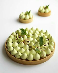Tart Recipes, Gourmet Recipes, Sweet Recipes, Dessert Recipes, Cooking Recipes, Fancy Desserts, Beautiful Desserts, Creative Food, Food Plating