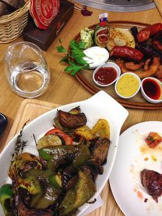 the pub slovakia Kung Pao Chicken, Meat, Ethnic Recipes, Food, Essen, Meals, Yemek, Eten