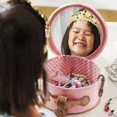 Give your little princess a perfect place to keep jewelry, hair clips and accessories with the PYSSLINGAR storage case.
