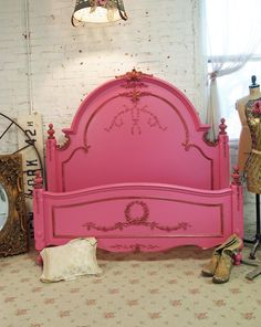 ❥ Painted Cottage Romantic Queen /Full Shabby  Hot Pink Bed