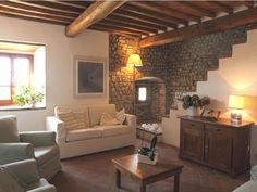 Florence Villa Rental sleeps 8 Pax with Babysitter & Cook services