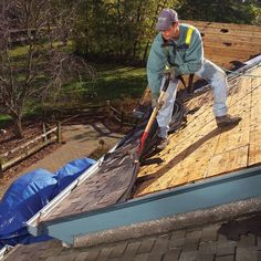Removal: How To Tear Off Roof Shingles Step by step, detailed instructions, on how to remove your existing shingles from your roof.Step by step, detailed instructions, on how to remove your existing shingles from your roof. Deep Cleaning Tips, House Cleaning Tips, Cleaning Hacks, Cape Cod, Diy Roofing, Roofing Felt, Roofing Shingles, Steel Roofing, Rubber Roofing