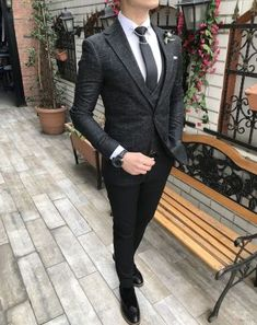 summer mens fashion which look cool. Stylish Mens Fashion, Mens Fashion Suits, Mens Suits, Men's Fashion, Fashion Shoes, Fashion 2018, Dress Fashion, Fashion Ideas, Designer Suits For Men