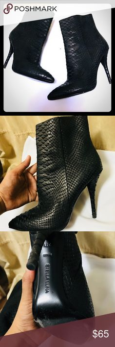 Stella Luna Ankle Boots 71/2 Stella Luna Ankle Boots 7.5 in size Snake Skin print Wears are showing on the bottom ( See pic) Stella Luna Shoes Ankle Boots & Booties