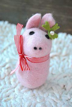 Tiere & Monster - Glücksschwein Emma - ein Designerstück von ROSENFEE bei DaWanda