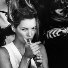 Celebrity photographer Jillian Edelstein has captured many a famous face from Kate Moss to Woody Allen and Nelson Mandela to name but a few and now she wants 90s Models, Role Models, 90s Icons, Queen Kate, Miss Moss, Glamour, Retro, Pretty People, Lifestyle