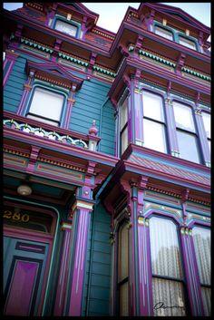 Ideas for exterior paint colors for house victorian purple Purple Home, Purple Teal, Purple Stuff, Woman Painting, House Painting, Exterior Colors, Interior And Exterior, Modern Exterior, Exterior Design