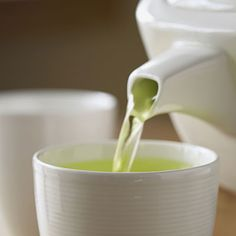 5 cups of GREEN TEA a day could help you lose twice as much weight, most of it around your belly.