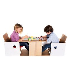 #ohplay is a #children's #chair composed by the #osit baby chair and the #hchair chair. It converts into a table and it includes a #paper #roll that lets children unleash their #imagination! Very useful for #twins!