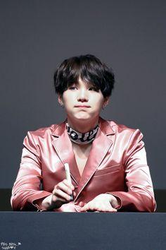 [HD] 161020 BTS Myeongdong Fan Signing © Peis Boys  #Suga #MinYoongi #MinPd Dream... Hope... Keep going ・・・・・☆