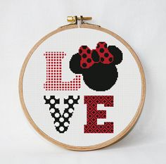 Disney cross stitch pattern Amour par AnimalsCrossStitch sur Etsy