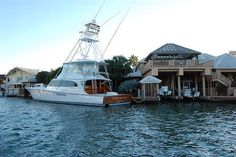 George Strait's yacht & home in Key Allegro, Rockport, TX.....not that I'm stalking him or anything...........