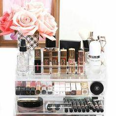 Makeup Vanities – Great Make Up Ideas Diy Makeup Organizer, Make Up Organiser, Makeup Organization, Storage Organizers, Lipstick Organizer, Storage Drawers, Bag Storage, Makeup Vanities, Louis Vuitton Art