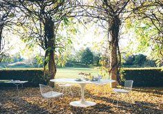 Monochrom: Saarinen Esstisch von Knoll International | online kaufen im stilwerk shop | ab € 1.890,-