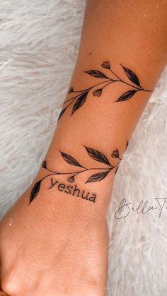 Mommy Tattoos, Baby Tattoos, Mini Tattoos, Body Art Tattoos, Flower Tattoos, Cute Tattoos For Women, Wrist Tattoos For Women, Tattoos For Guys, Cute Wrist Tattoos