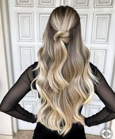 Brown To Blonde Hair Color Ideas - Cool Maple Balayage Cabelo Ombre Hair, Balayage Hair, Blonde Balayage On Brown Hair, Short Balayage, Blonde Hair Goals, Hair Trends 2018, Chic Hairstyles, Elegant Hairstyles, Formal Hairstyles