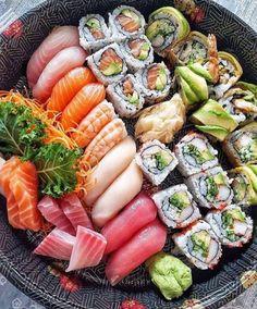 Make Sushi 1 I Love Food, Good Food, Yummy Food, Sushi Comida, Sushi Food, Sushi Sushi, Sushi Rolls, Asian Recipes, Healthy Recipes