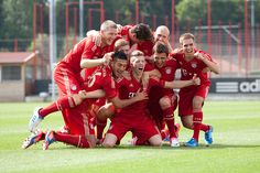 What a bunch of dorks. <3 (FC Bayern)