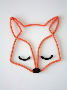 Un renard en tricotin Crochet Diy, Diy And Crafts, Crafts For Kids, Arts And Crafts, Diy Projects To Try, Sewing Projects, Spool Knitting, Ideias Diy, Diy Décoration
