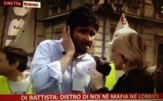 Alessandro Di Battista gela l'inviata Rai su Renzi, Berlusconi, Dell'Utri