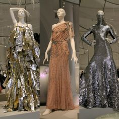 Ballgowns at the V & A (the middle one...so pretty!)