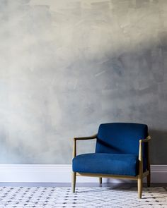 Beautiful washed gray Venetian plaster—would make a beautiful base for a classical gallery wall!