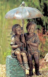 Wasserspeier und kunstvolle Brunnenfiguren aus feiner Bronze