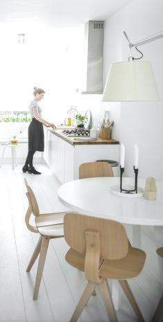 Via NordicDays.nl | Nu interieur ontwerp | White Kitchen#scandi